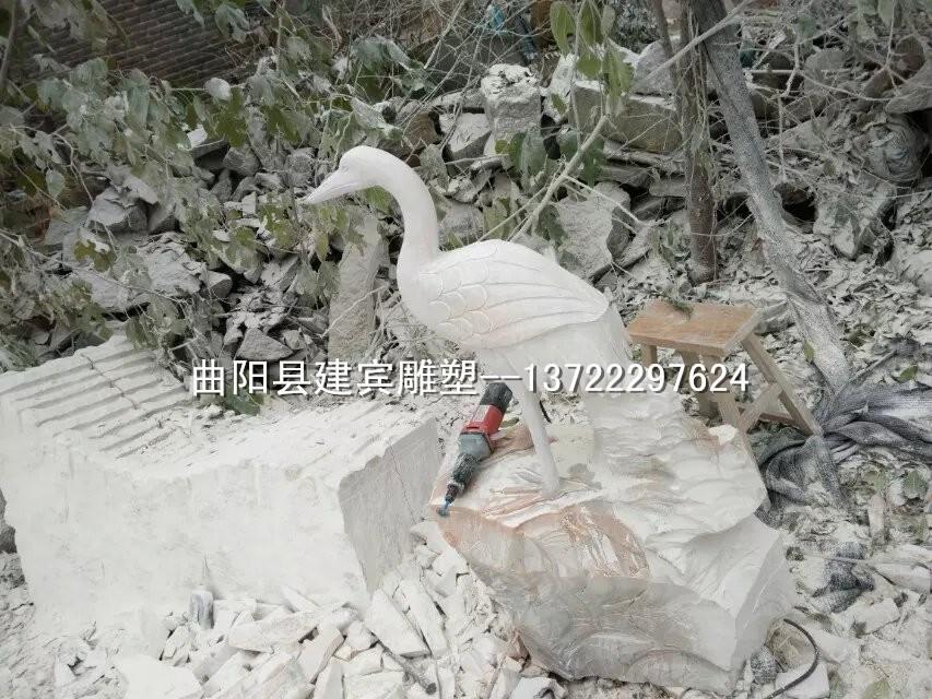 石雕仙鹤 晚霞红仙鹤 景观动物摆件专业设计加工