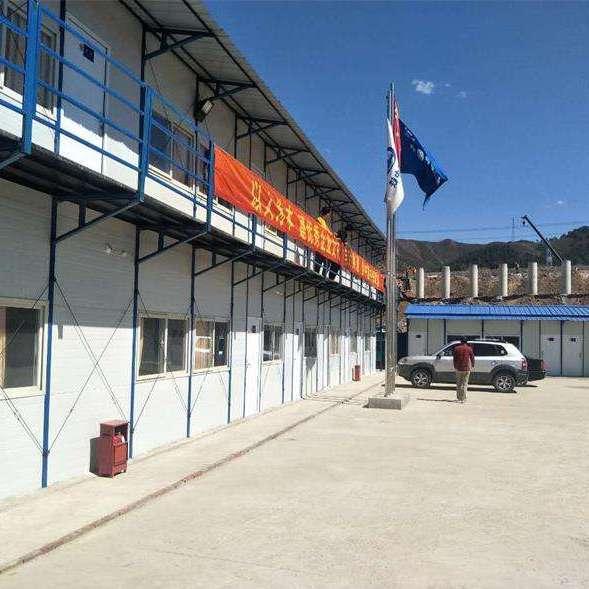 内蒙古岩棉防火复合板活动房赤峰厂家低价供应彩钢活动房