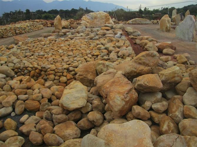 黄蜡石假山、黄蜡石水景石、黄蜡石驳岸石、黄蜡石溪流石工程