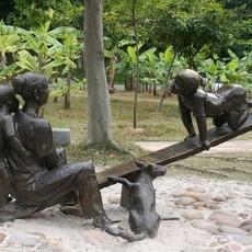 供应   广场人物雕塑    童趣    厂家直销