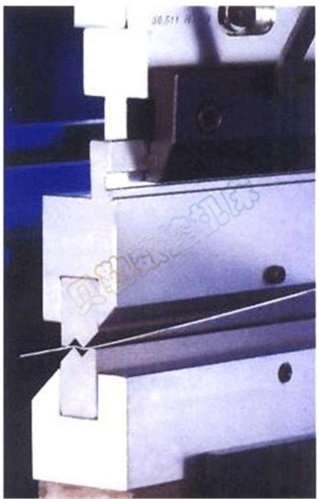 供应各种型号,规格的折弯机模具,欢迎选购