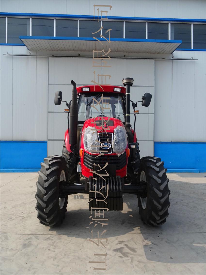 供应130马力四轮驱动农业用轮式拖拉机(配东方红4缸国三发动机)图片