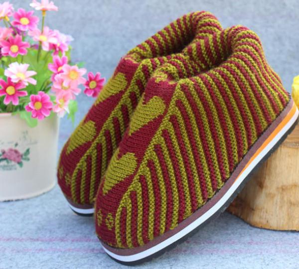 手工编织毛线棉鞋加厚保暖鞋双色雕花图案价格–中国