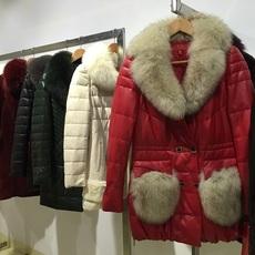 奢华高贵皮草皮羽绒到,绵羊皮加狐狸毛,专柜品牌女装走份批发