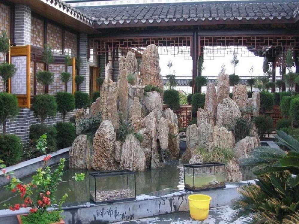 龙骨石假山