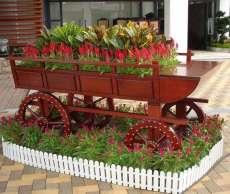 厂家大量供应户外实木花车,广场流动花车,打折热销实木花车