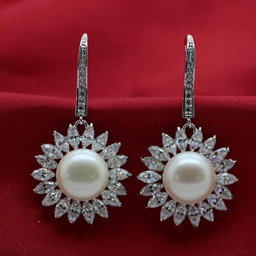 天然淡水珍珠耳坠 时尚OL镶钻花形饰品