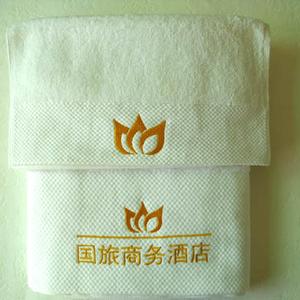 白色铂金段浴巾