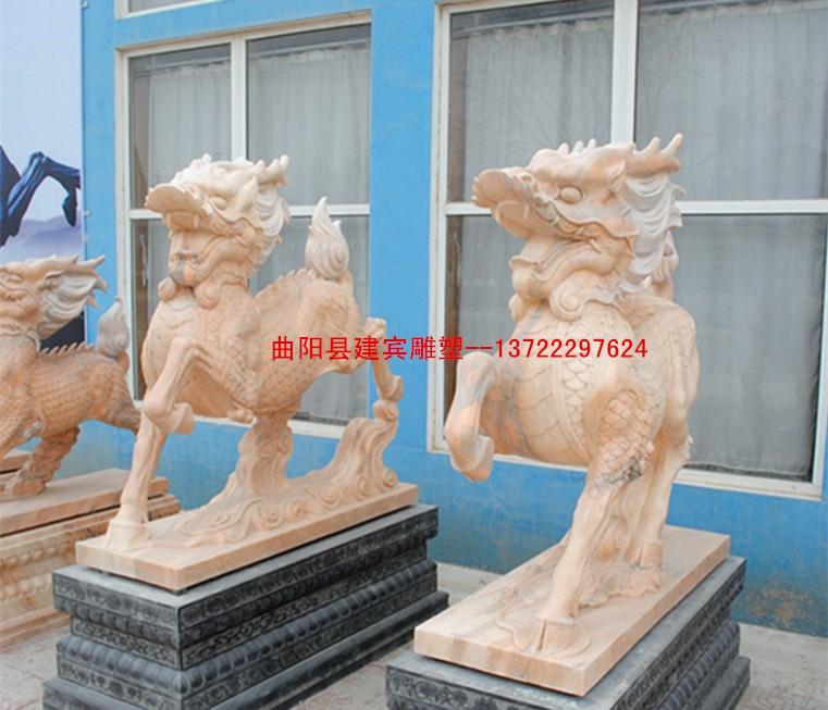 厂家加工单位门口镇宅雕塑 晚霞红石雕麒麟 站麒麟雕刻瑞兽雕塑