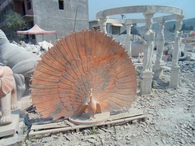供应黄锈石 晚霞红石雕孔雀 动物雕塑孔雀 花岗岩孔雀