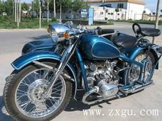 厂价直销长江750边三轮摩托车挎子亮蓝色