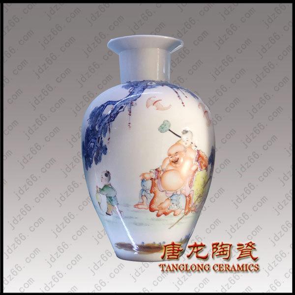 景德镇花瓶厂 手机:13667987597(曹宇浠) 微信:TLTC623 QQ:1453632464 公司网站链接:http://www.jdz66.net 景德镇唐龙陶瓷有限公司是一家专业景德镇花瓶厂,自成立至今已有十多年了,是一家经验丰富,价格公道的景德镇花瓶厂。在景德镇花瓶厂中具有一定的影响力,我们景德镇花瓶厂设计制作的产品款式新颖大方,造型独特且工艺上乘。作为专业的景德镇花瓶厂,我们在花瓶的生产中不断技术革新。生产的产品比其他景德镇花瓶厂的质量合格率更高,比其他景德镇花瓶厂的规格更加齐全,一直引