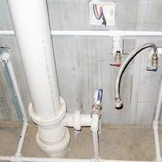 新街口水管安装 卫生间暗管漏水维修