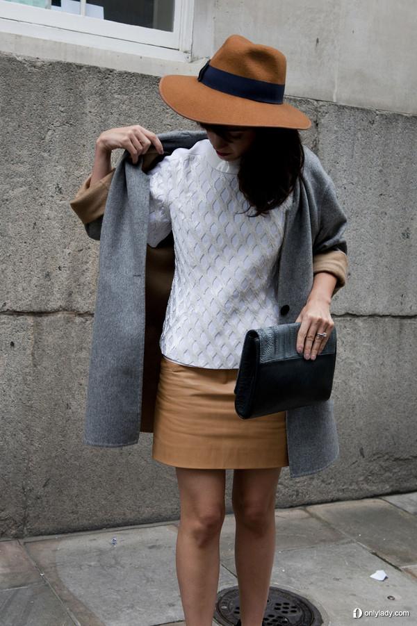 外套披肩备战2014 春夏伦敦时装周街头