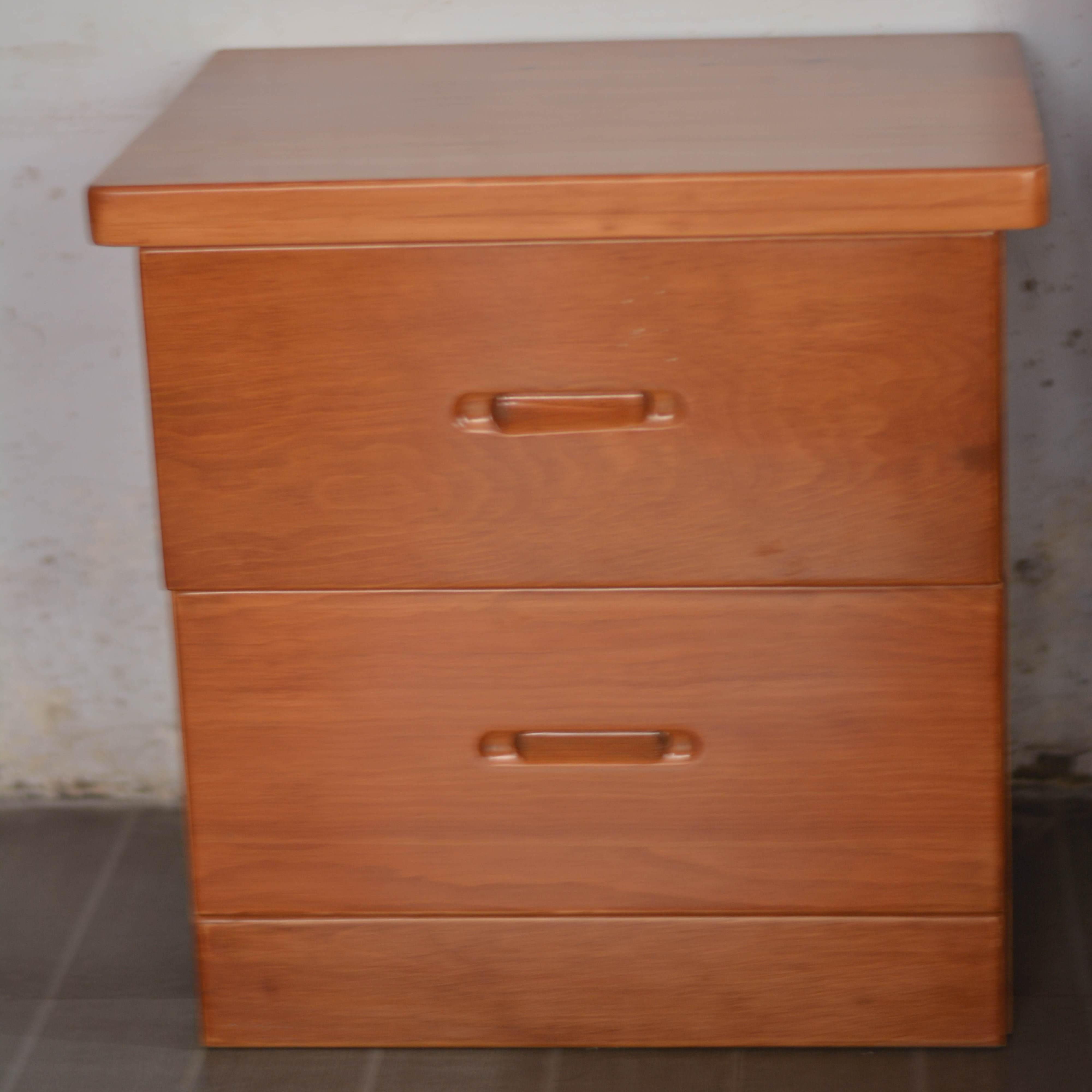 王家实木家具进口红松制作实木家俱床头柜 定制实木家具  无甲醛原始工艺厂家直销