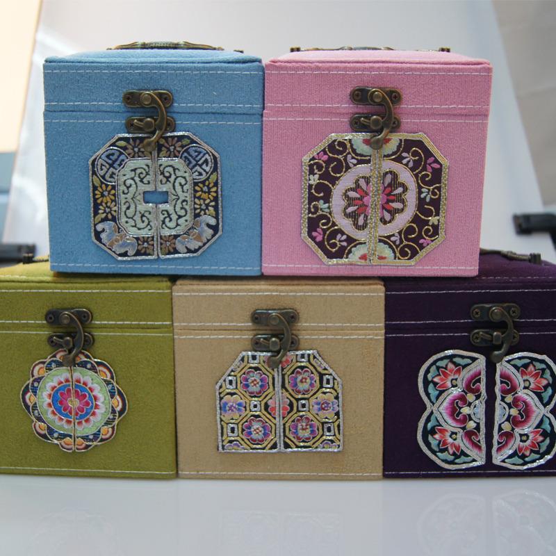 武功县馨绣民间手工布艺出售手绣化妆盒  不一样美的体验 精致