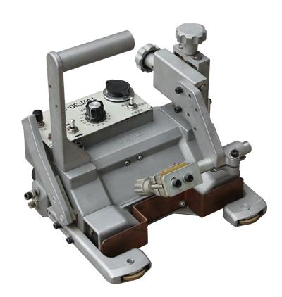 熔化极气体保护焊机四轮驱动(TWF30-1)
