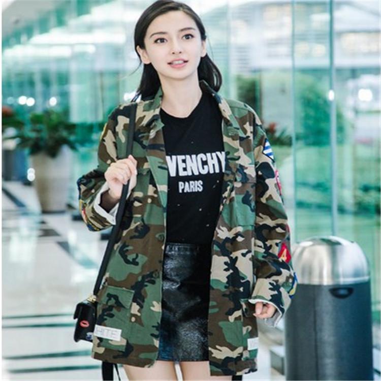 一件代发2016秋季新款女装韩版迷彩刺绣徽章情侣牛仔外套风衣女