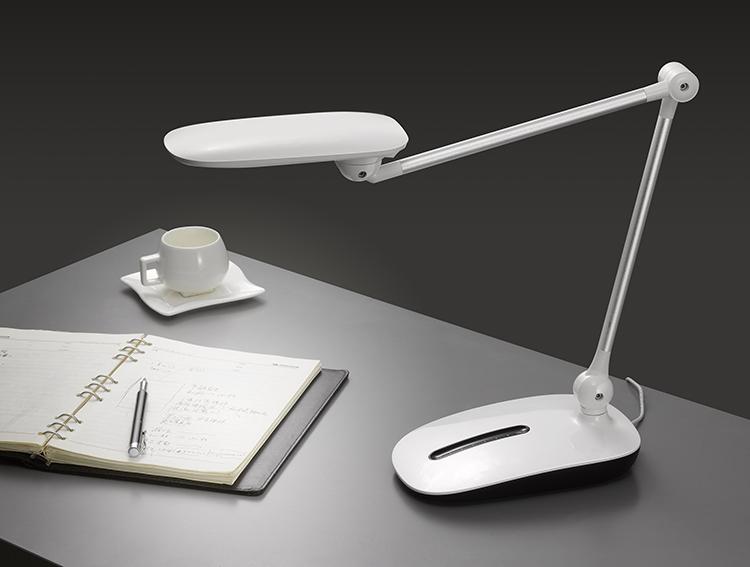 新款时尚创意台灯 LED护眼台灯HHS-616 儿童学习台灯
