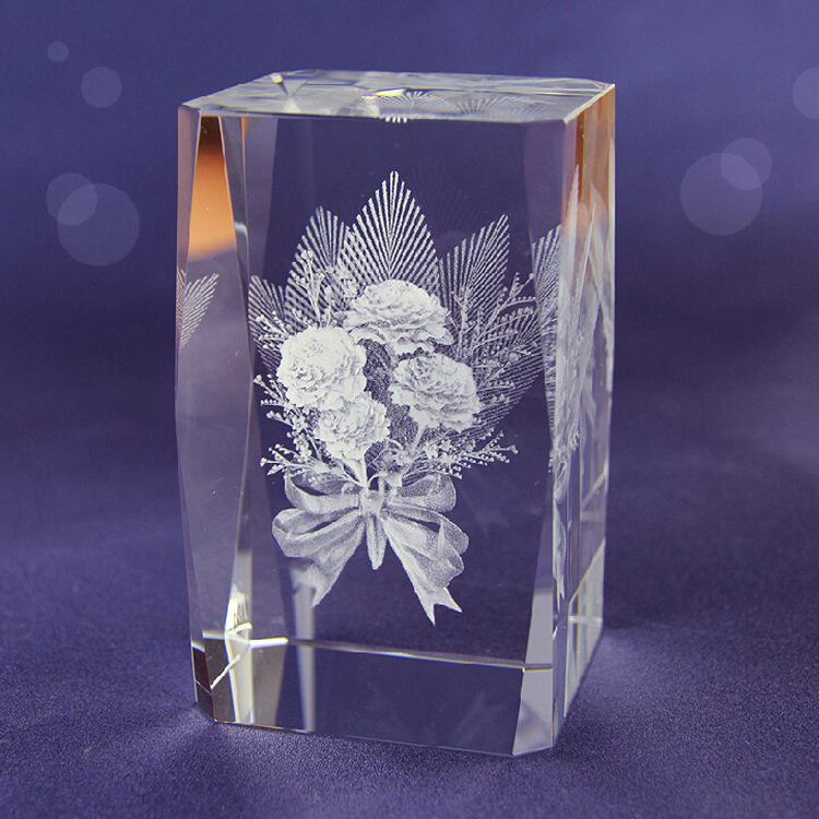 厂家直销水晶玫瑰花内雕3D创意送女友生日礼物 创意水晶礼品