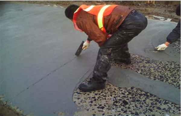 水泥混凝土露石子麻面修补