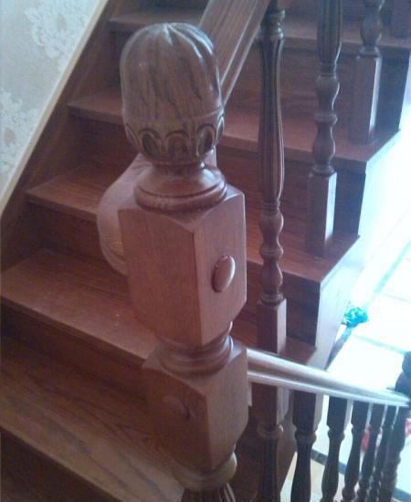 供应厂家加工生产实木楼梯 欢迎购买