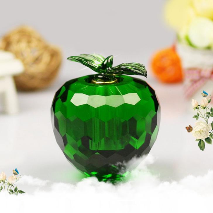 供应 汽车香水座平安果 人造白水晶香水瓶 苹果摆件