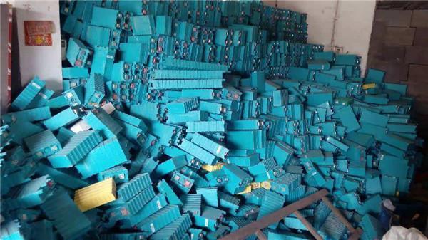 动力电池报废高峰期将至:钴镍锂等回收规模将超百亿