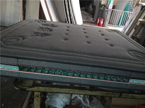 高密市吉诺尔(在线咨询)、床垫、青岛床垫