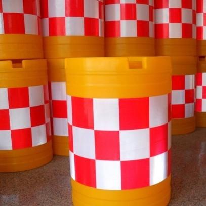 塑料护栏防撞桶水马生产机器厂家