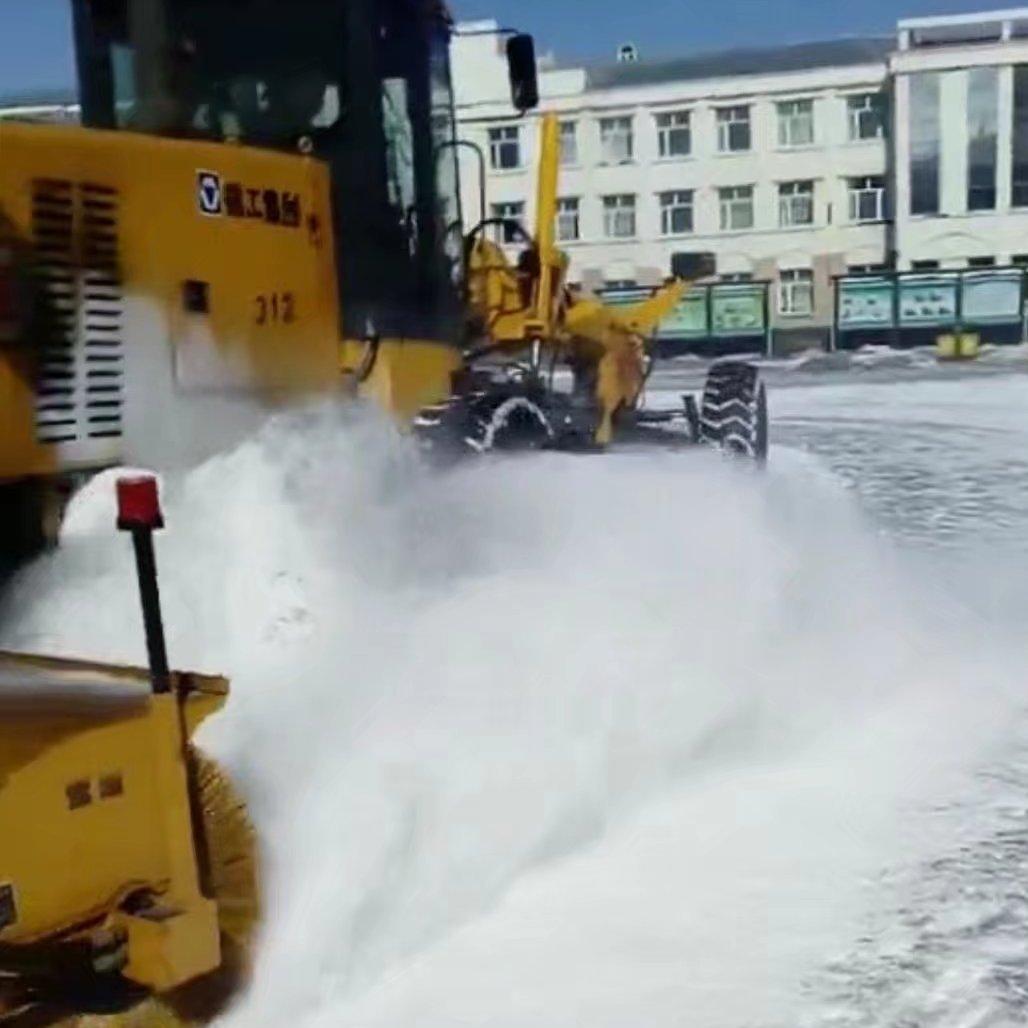 哈尔滨除雪设备除雪滚刷除雪铲抛雪机破冰机厂家直销