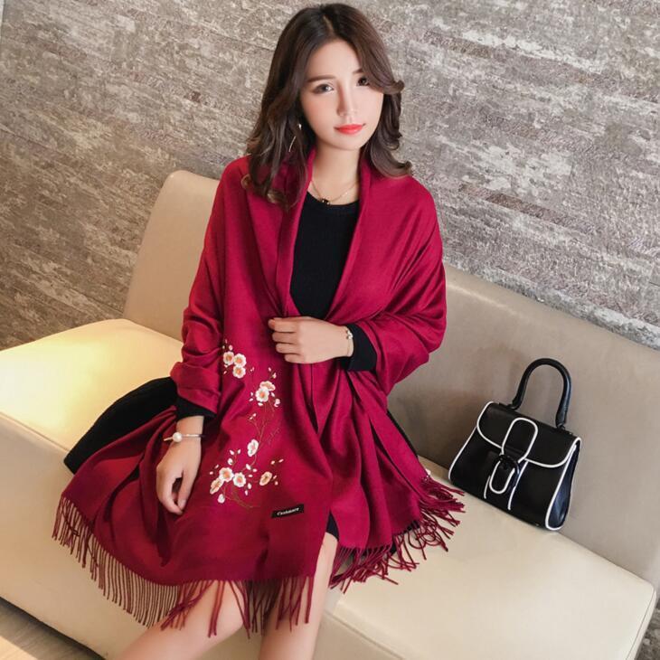 供应  红色围巾冬季围巾旅游保暖长款梅花刺绣民族风保暖巾披肩女冬