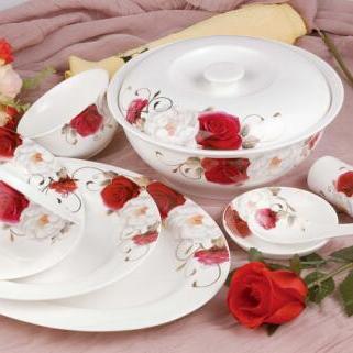 供应骨质瓷餐具 经典玫瑰  46头 高档礼品礼盒