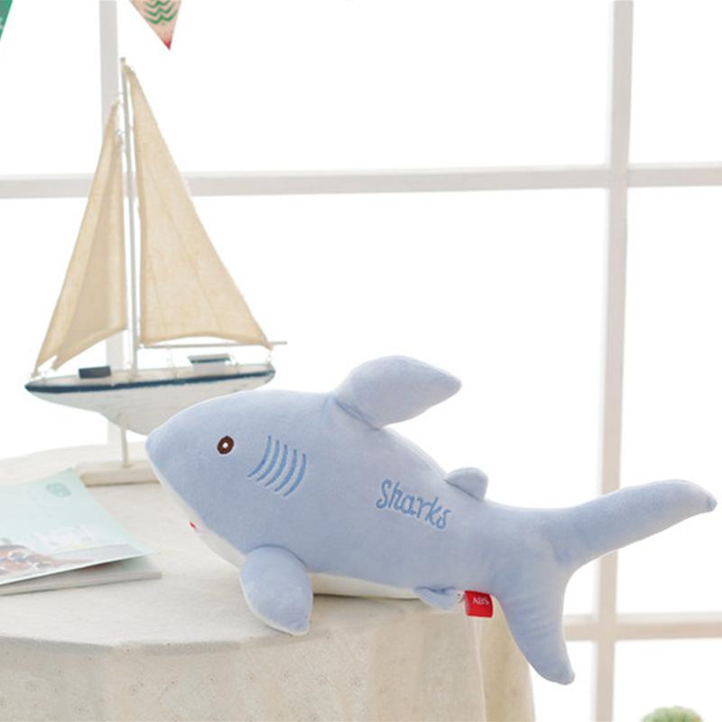 鲨鱼企鹅公仔毛绒玩具来图来样定制批发生日礼物