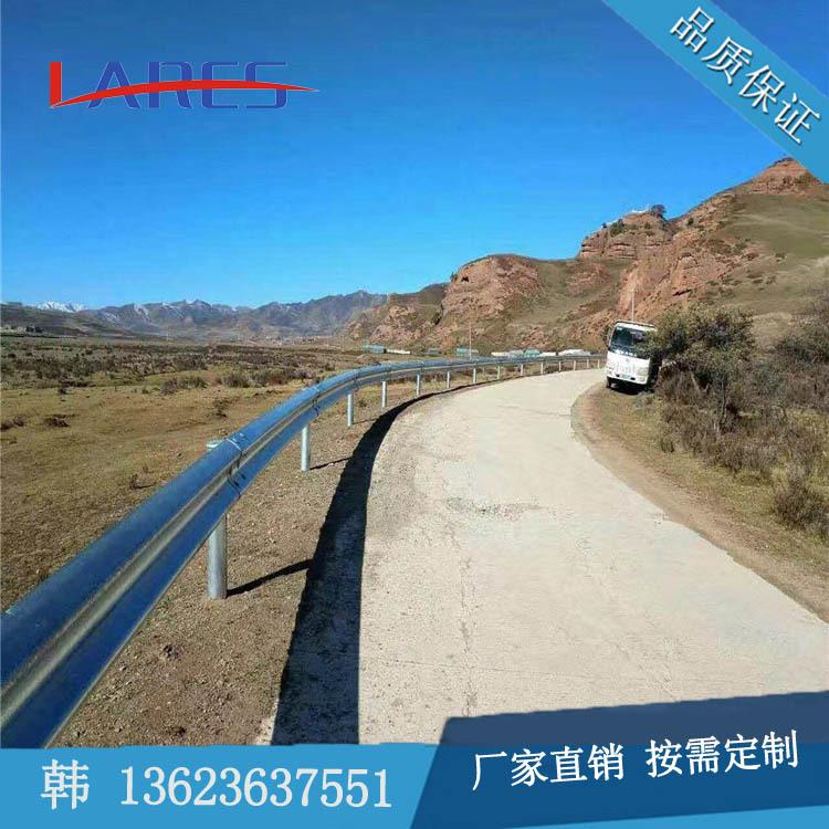 山西太原鄉村公路農村生命安保工程波形梁護欄路邊鍍鋅防撞護欄版