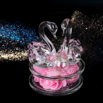 供应 汽车摆件香水底座水晶车载香水天鹅饰品创意车内装饰品