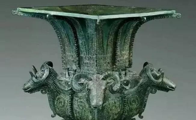 铜雕艺术的发展与起源