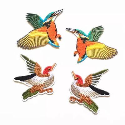 供应 精美中国风蜂鸟背胶熨烫布贴 卡通蜂鸟刺绣补丁贴