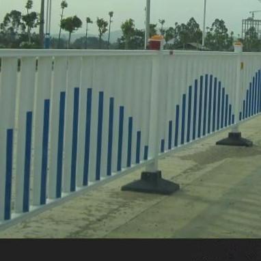 京式护栏 锌钢护栏 小区护栏围栏网 护栏网厂 加工定制 工厂生产 活动价格 促销价格