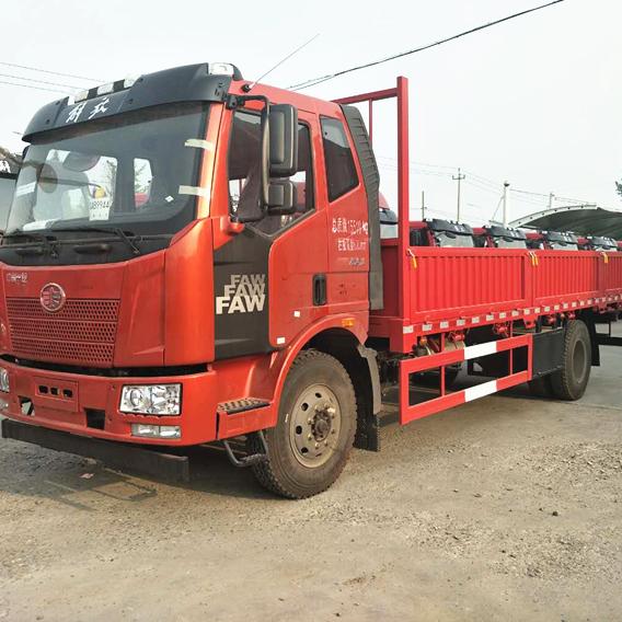 一汽解放J6L6.8米载货车