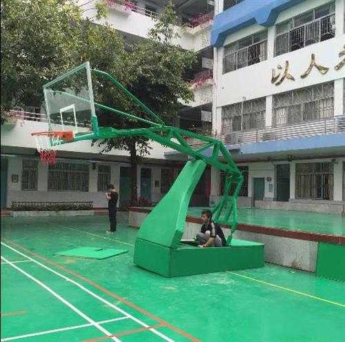 雄奥体育(在线咨询)_新丰县篮球架_篮球架价格