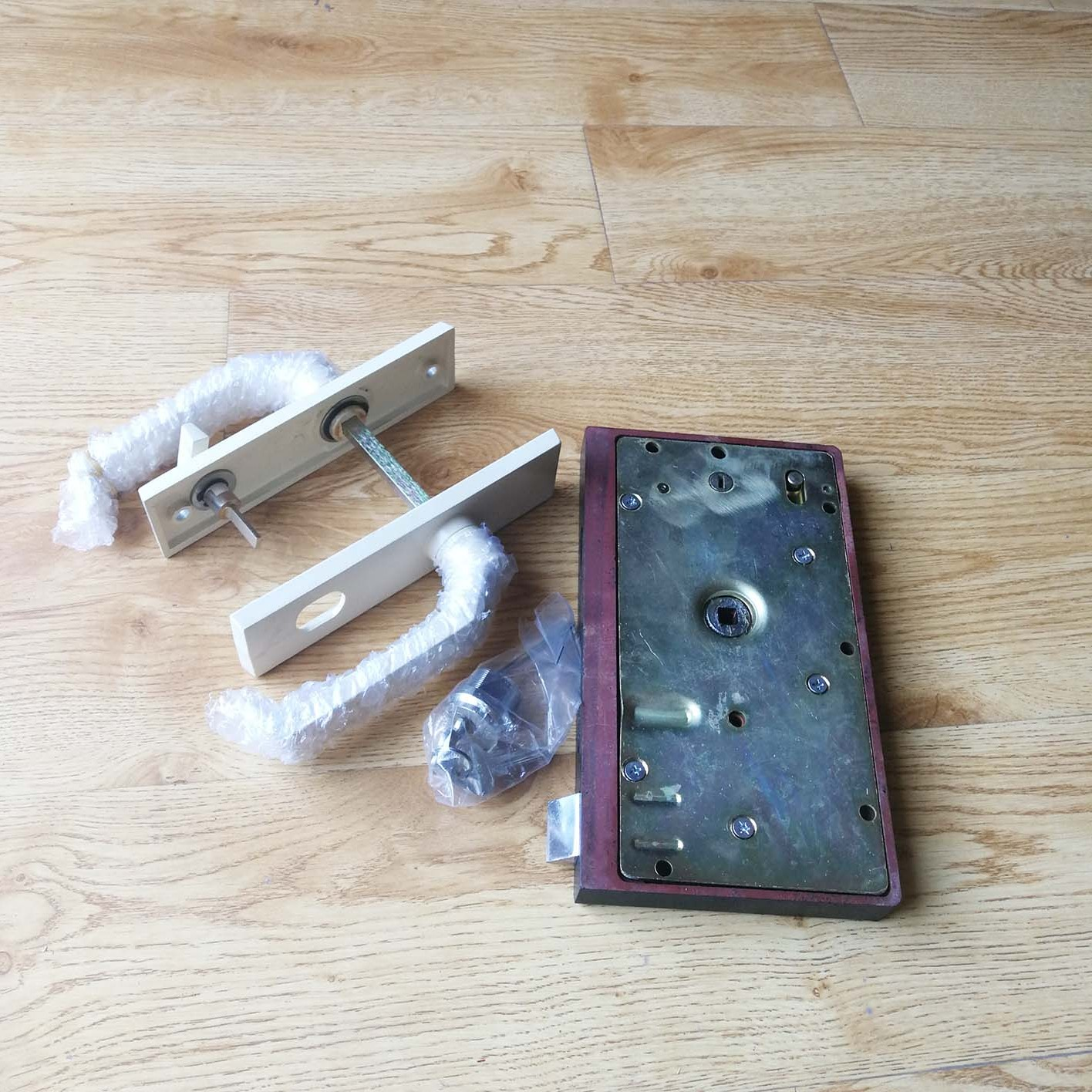 JJC型接触网检修车列 机车门锁(右)  NT72-08081
