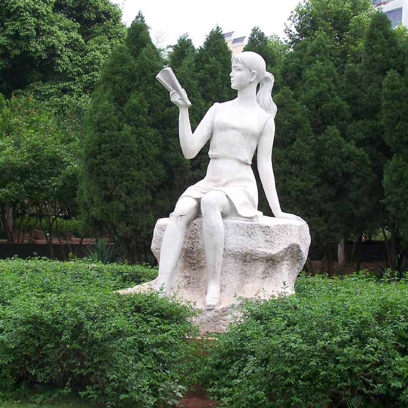 创意人物雕塑 校园文化主题雕塑 学习读书学生雕塑 大型公园景观
